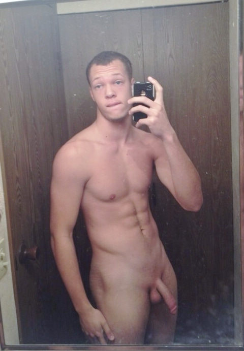 Nude Muscle Guy Taking Some Dirty Self Pics